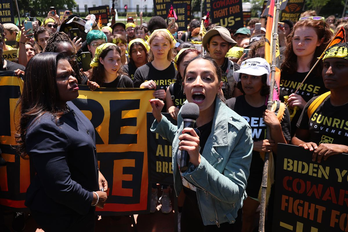 AOC, Bowman join protesters at White House demanding climate action in Biden infrastructure plan 1