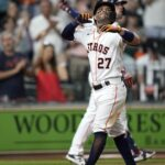 Astros rout White Sox in opener of four-game series 11