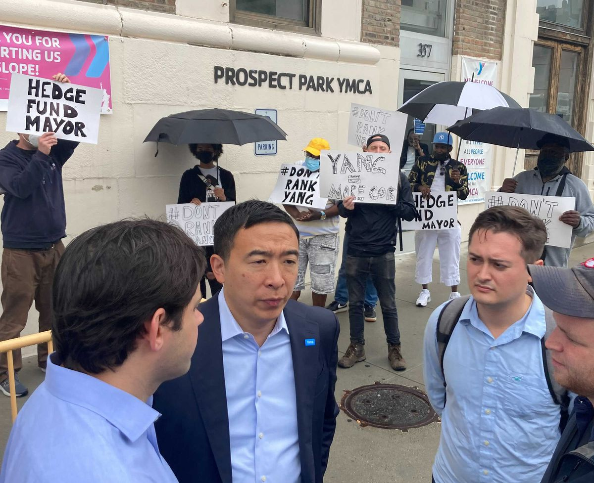 Andrew Yang, hoping to troll Mayor de Blasio at YMCA, is chased away by protesters 1