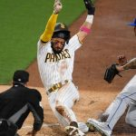 Mets' rally falls short as they drop opener to Padres 5