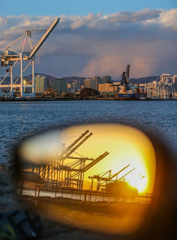 Demonstrators protest Israeli cargo ship at Port of Oakland 1