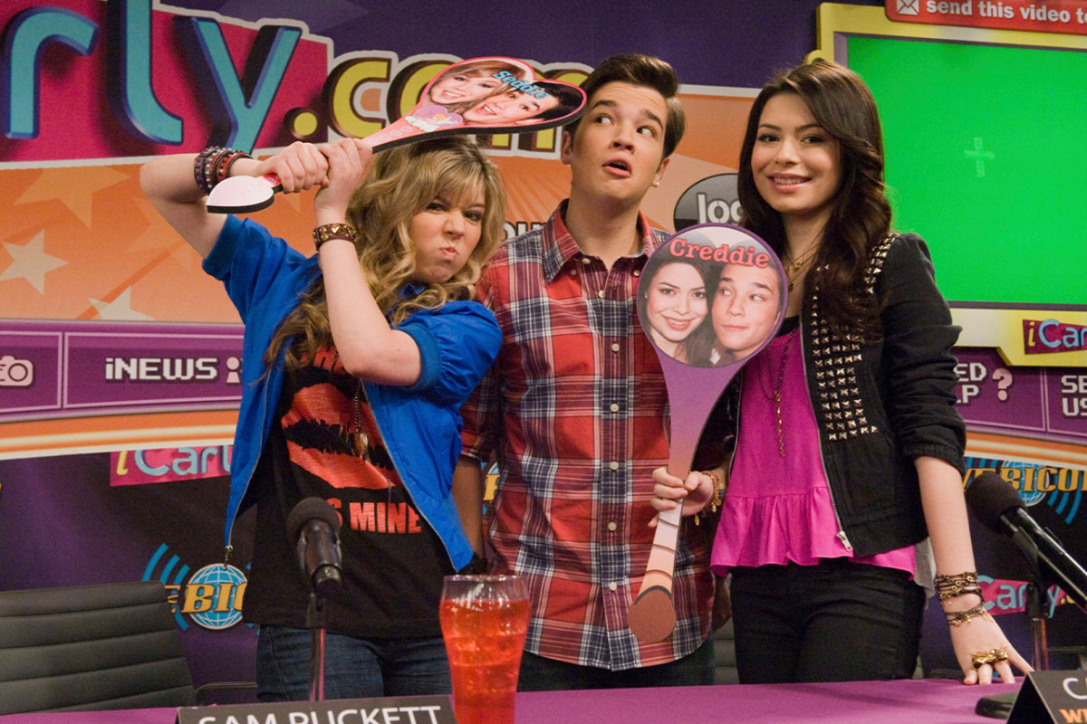 'iCarly': Miranda Cosgrove Opens Up About Jennette McCurdy's Exit 1