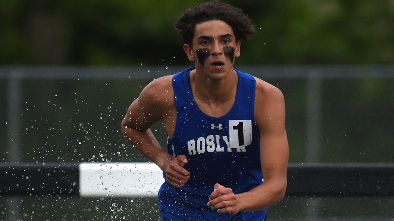 Roslyn's Elijah Yeroushalmi wins 3,000 steeplechace at Nassau Class AA championships 1