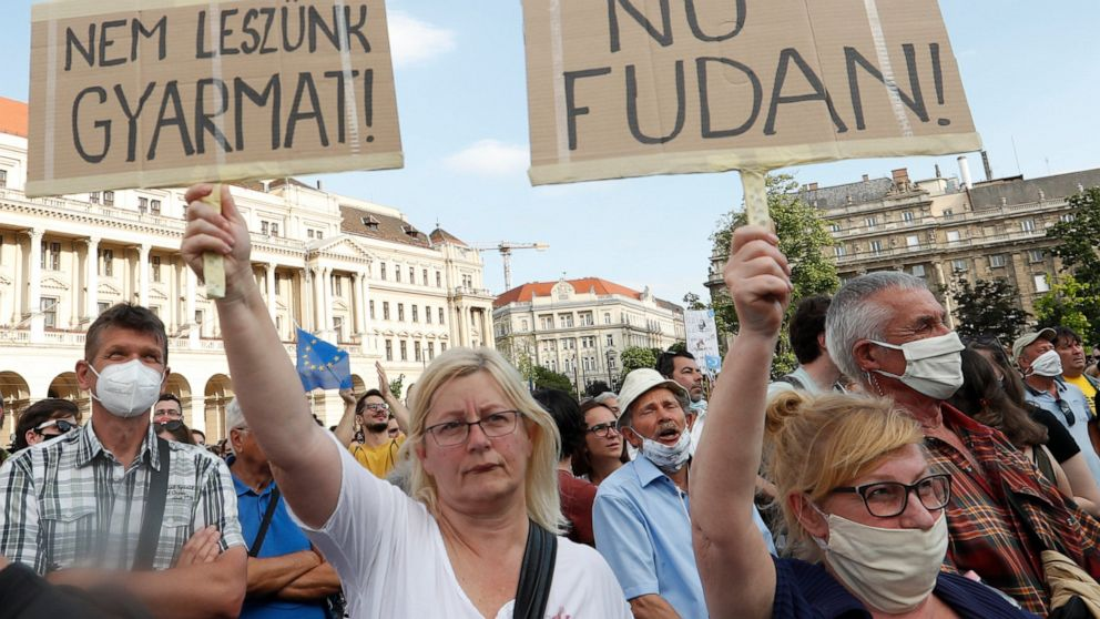 Hungary: Plan to build Chinese university branch protested 1