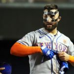 Mets' Kevin Pillar on wearing mask: Like an 'extra layer of skin on' 5