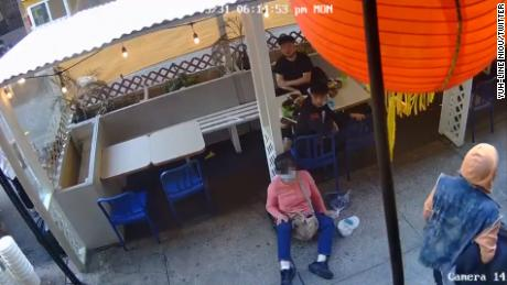 Bystanders helped a San Francisco police officer as she was being attacked 1