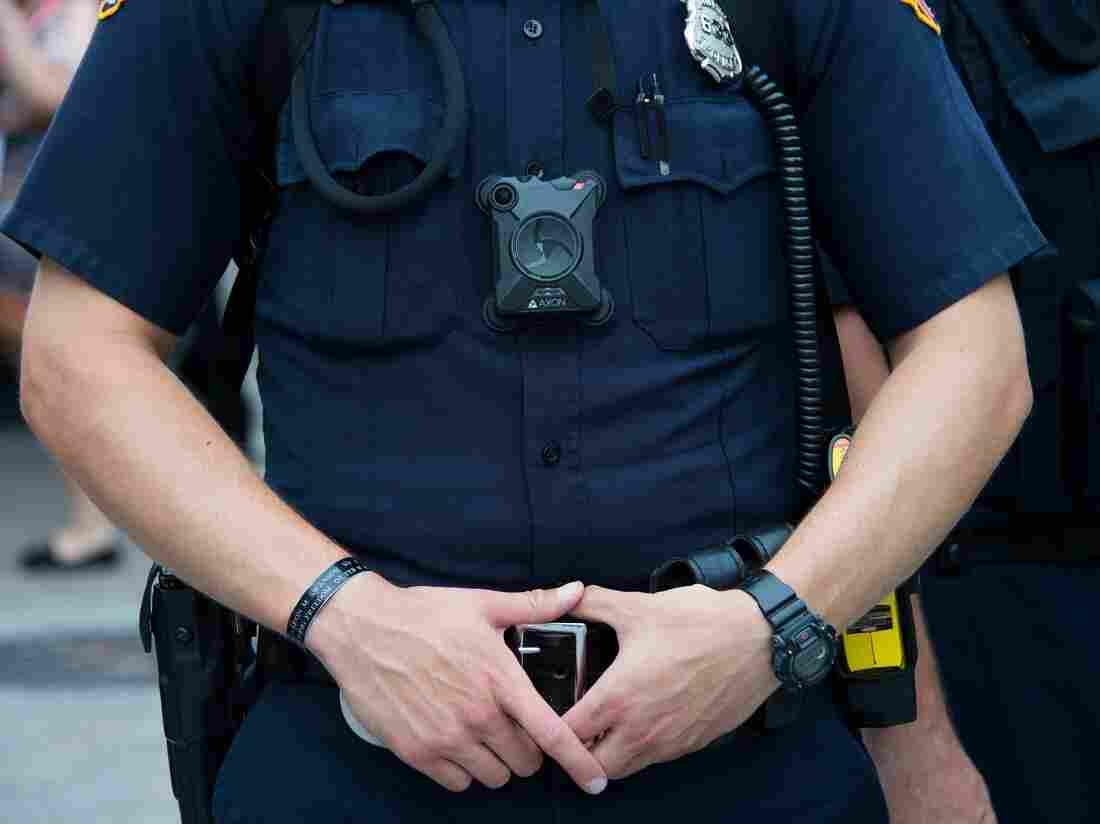 Justice Department Says It Will Now Require Federal Officers To Wear Body Cameras 1