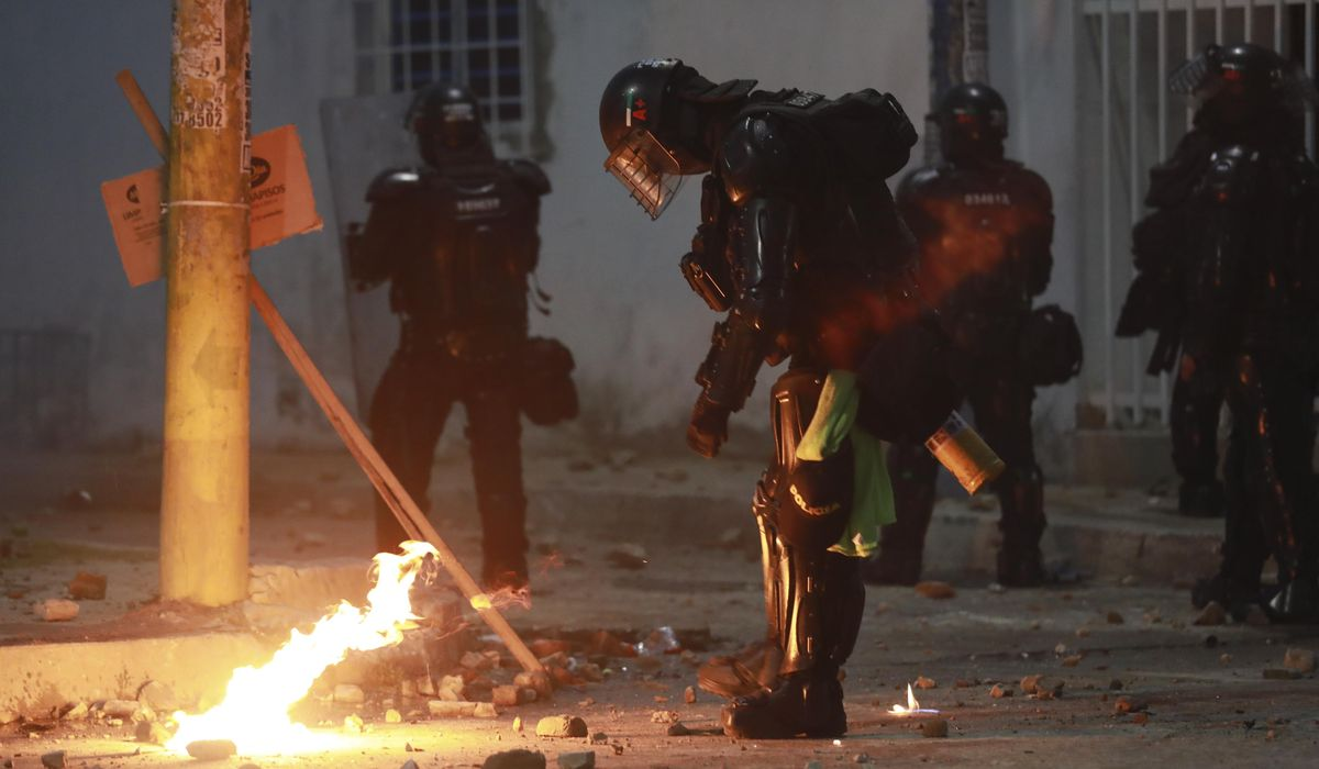 Rights group: Colombian police cause deaths of 20 protesters 1