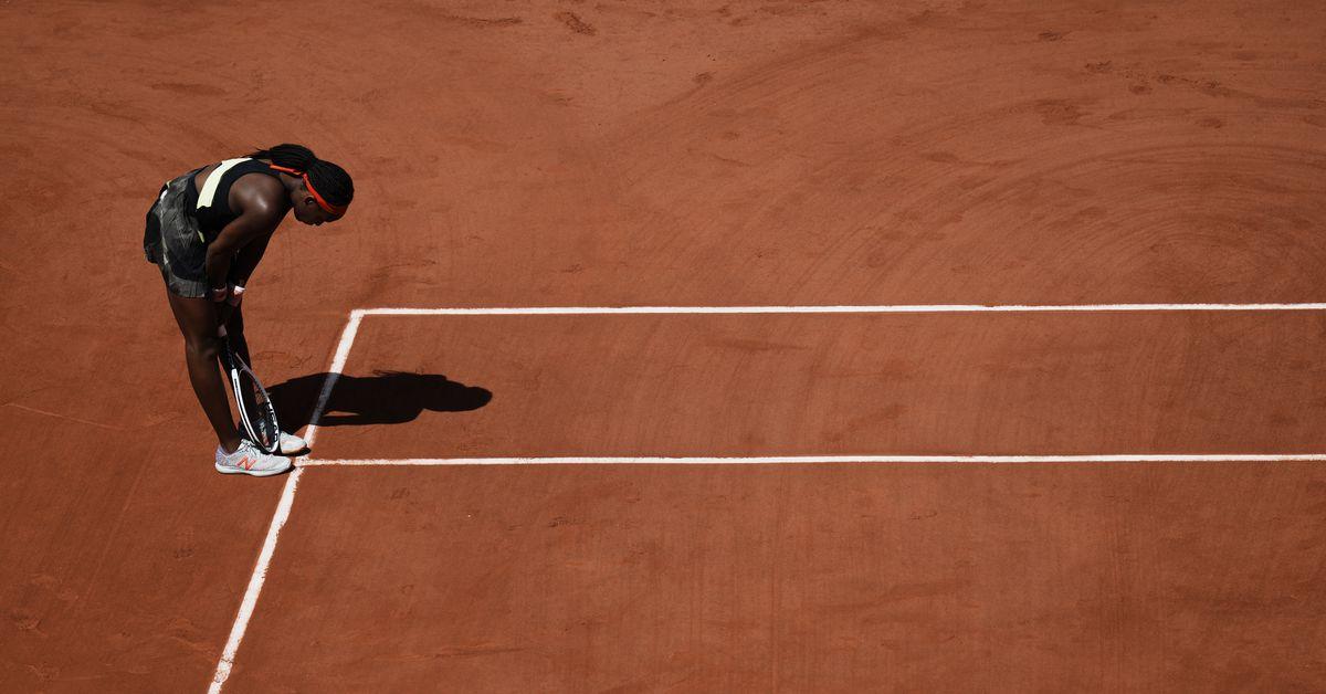 Defending champ Iga Swiatek eliminated from French Open 1