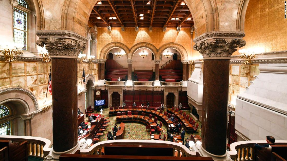 New York lawmakers move to open the gun industry to liability lawsuits 1