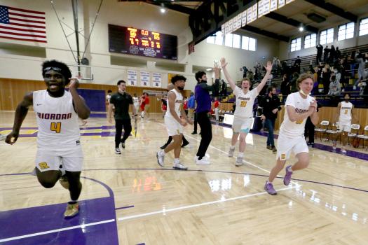 Prep basketball: Riordan advances to CCS Open final in wild finish over St. Ignatius 1