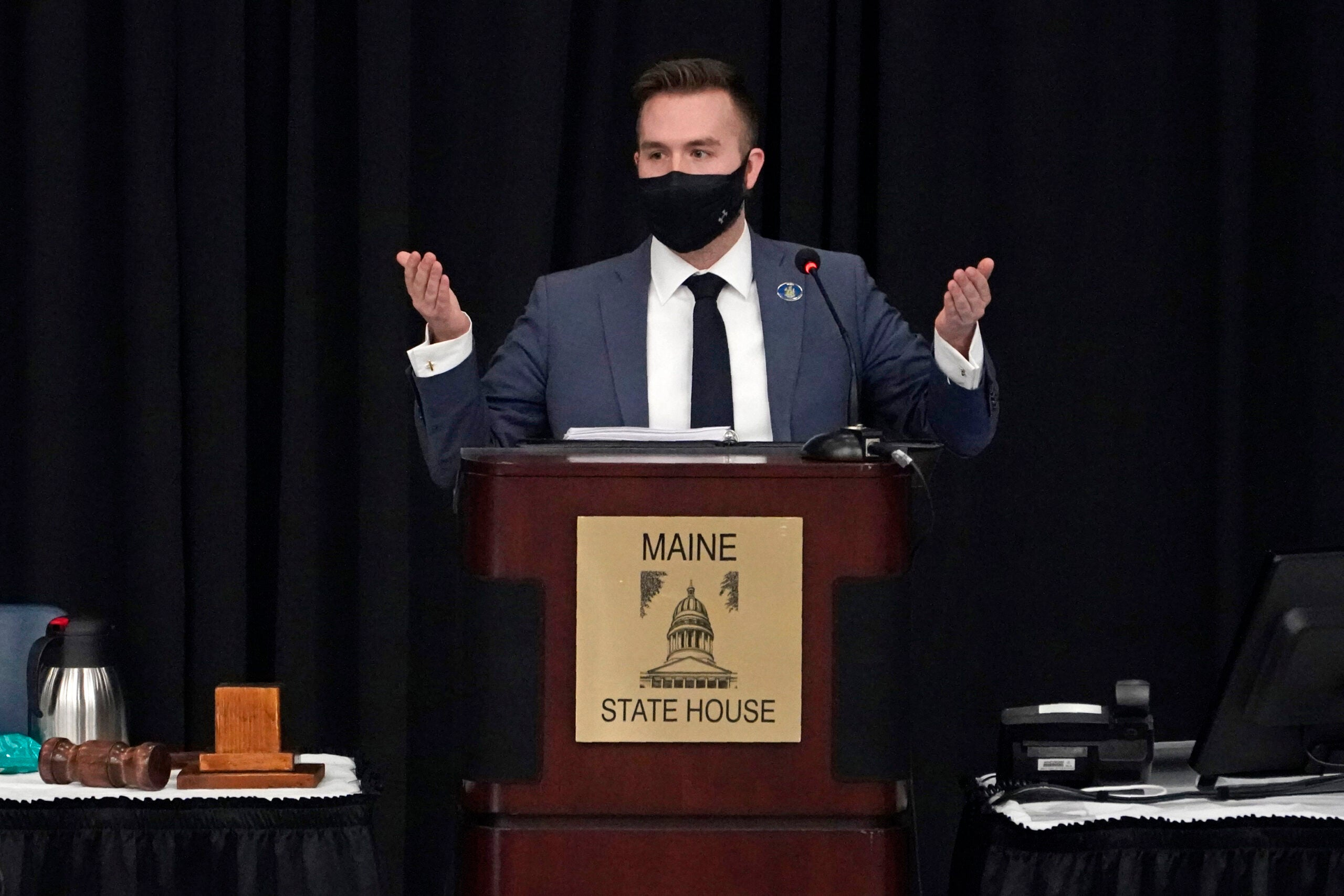 Maine House speaker will reappoint lawmakers if they mask up 1