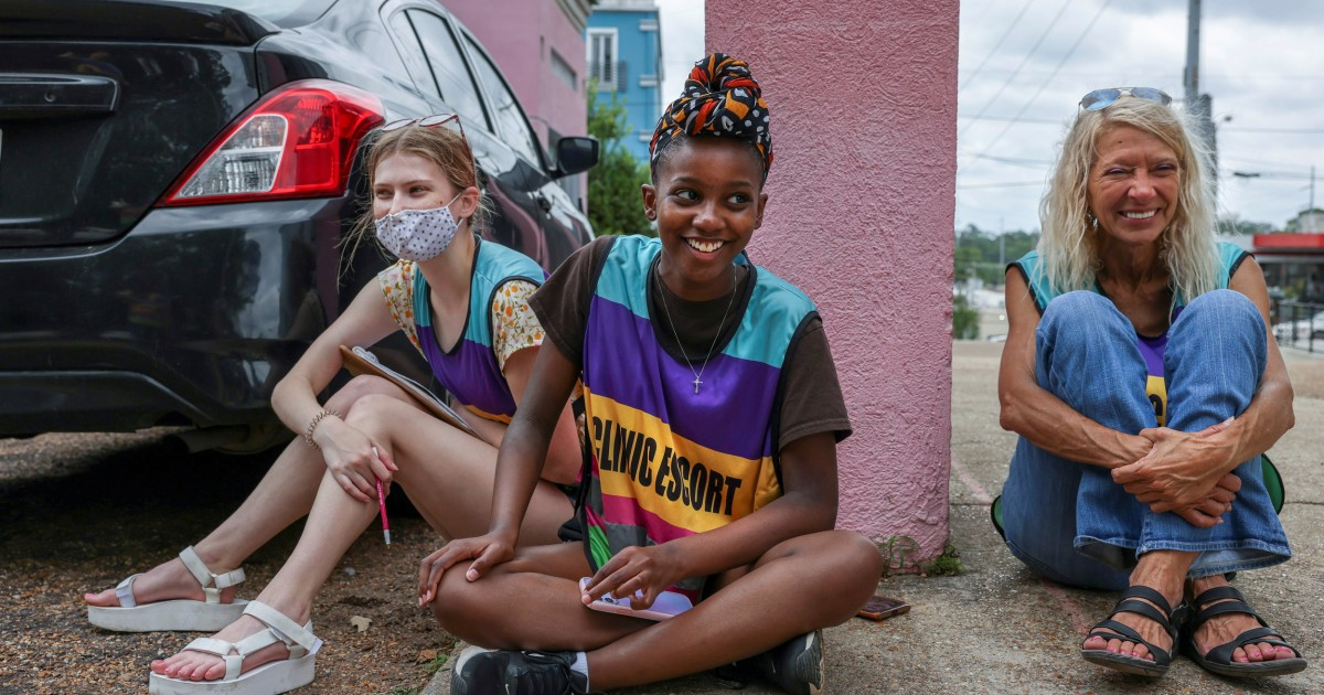Black activist wards off protesters so women can access Mississippi's sole abortion clinic 1