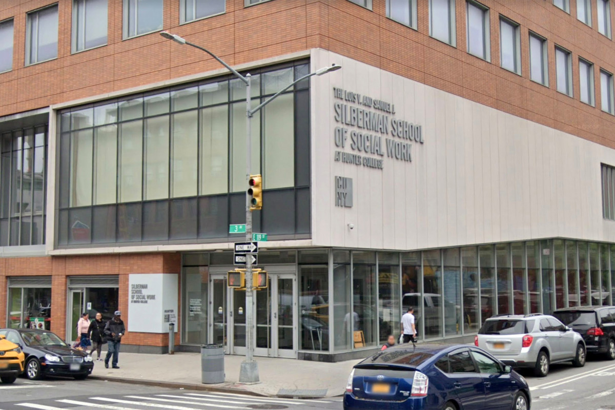 Protesters at Hunter College hijack Zoom with 'anti-Semitic' rhetoric: students 1