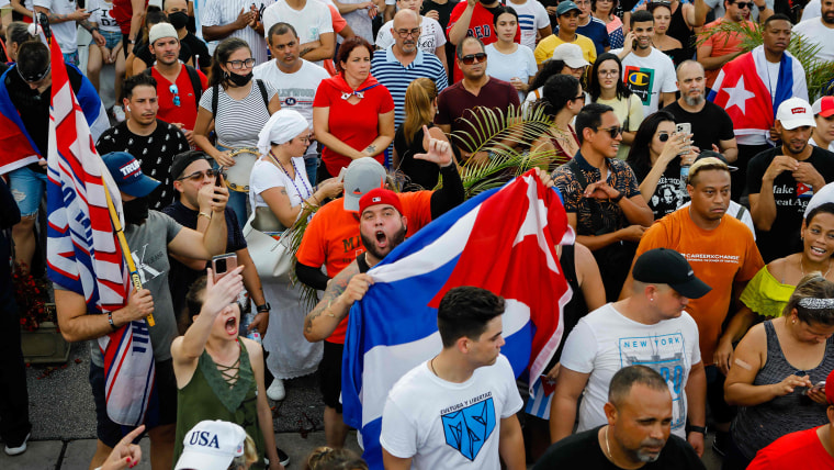 'We are no longer afraid': Thousands of Cubans protest against the government 1