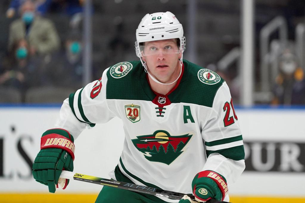 Stars open free agency by signing veterans Ryan Suter and Braden Holtby 1