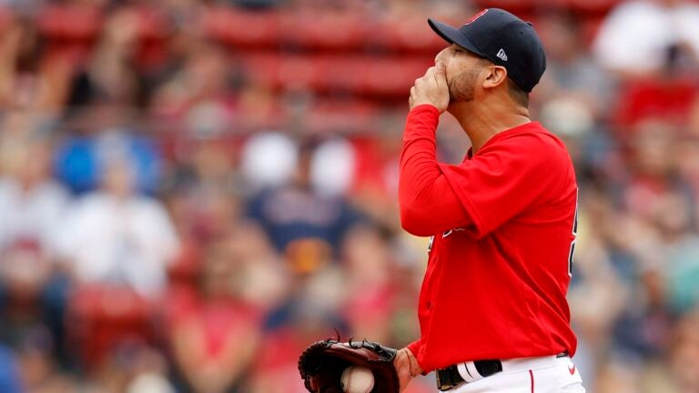 Segura opens game with HR; Phillies end Boston's home streak 1