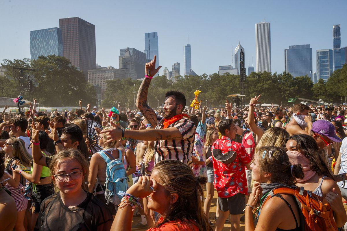 With Lollapalooza starting in 2 days, city urges anyone with COVID-19 symptoms to stay away, even if vaccinated 1