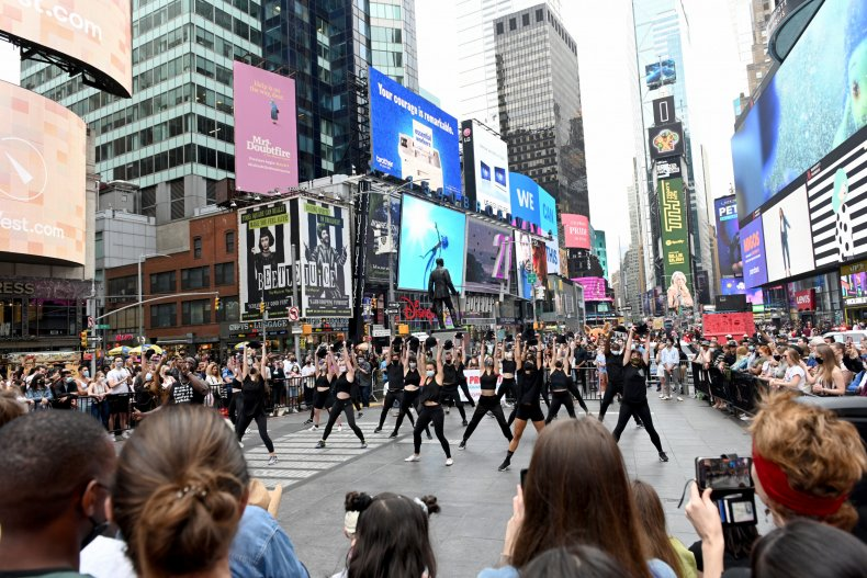 Broadway Will Require Proof of Vaccination, Masks to Attend Performances 1