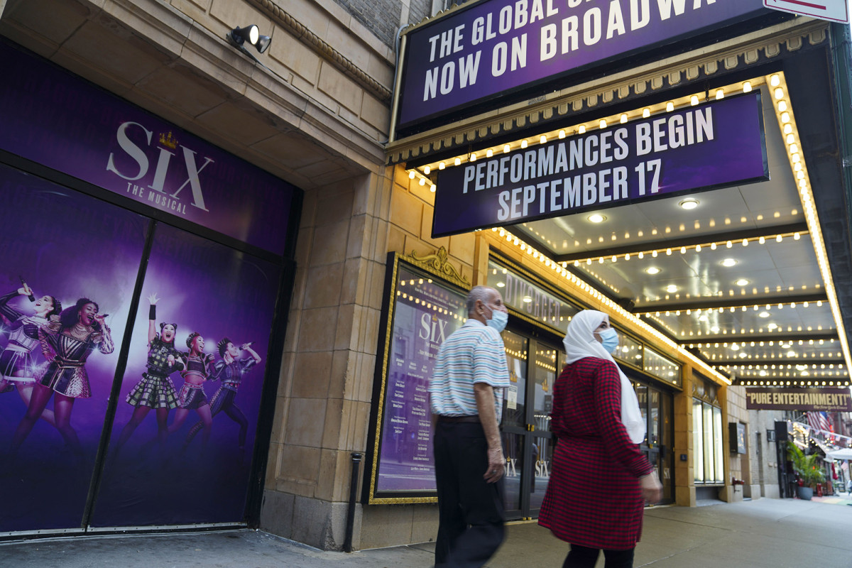 Broadway to require COVID vaccine proof and masks when shows return 1