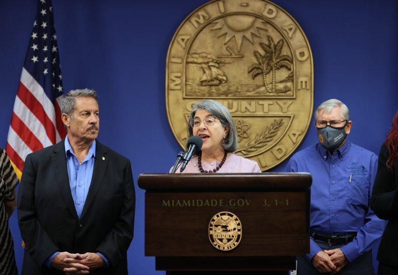 Miami-Dade County Suggests Masks Outside Despite Gov. DeSantis' Ban on Mandates 1