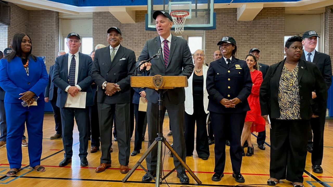NYC to open city gyms Saturday nights as part of anti-violence youth program 1