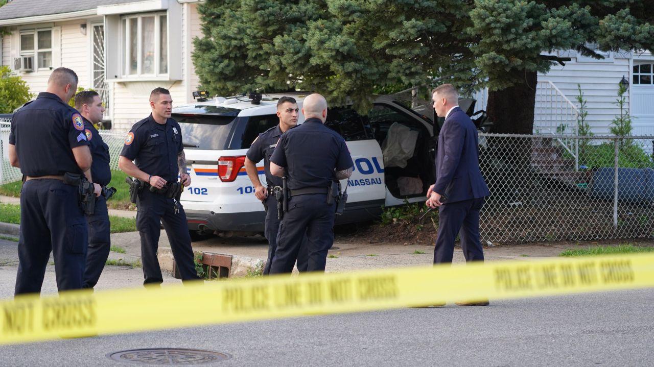 Two Nassau police officers hurt in Freeport crash 1