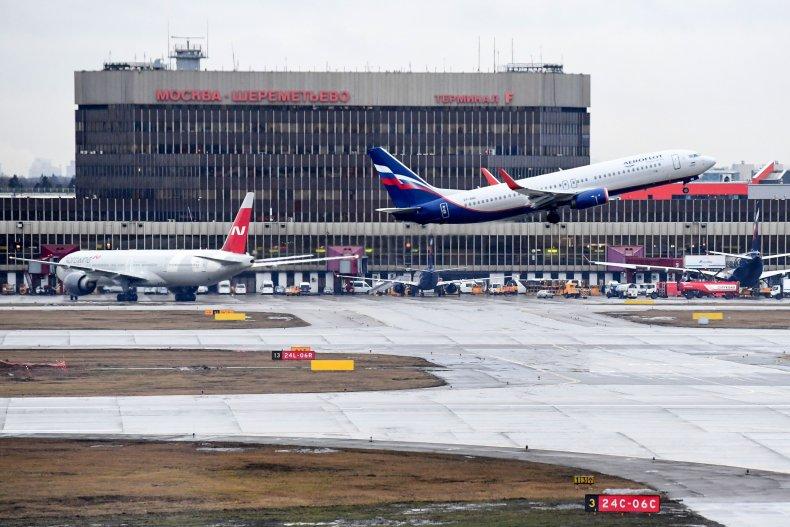 Passenger Opens Plane's Emergency Exit Door To Get Fresh Air 1