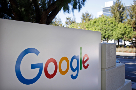 Google delays office return, mandates vaccines for workers 1