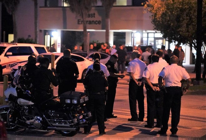 Florida police officer dies after being shot in the head while on patrol 1