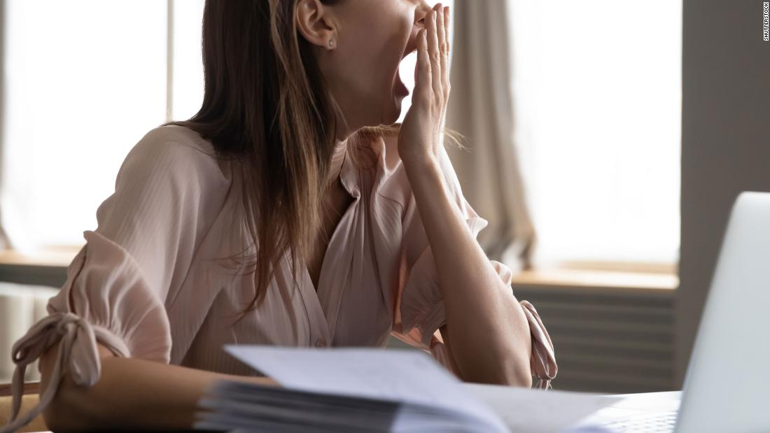 5 ways to adjust your sleep schedule to go back to the office 1