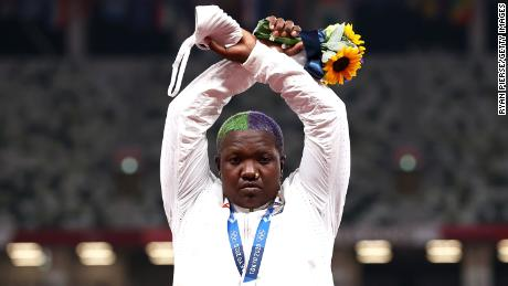 IOC suspends action on Raven Saunders' podium protest after her mother's death 1
