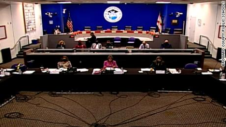 Florida's executive order does not actually ban mask mandates in schools, legal experts say 1