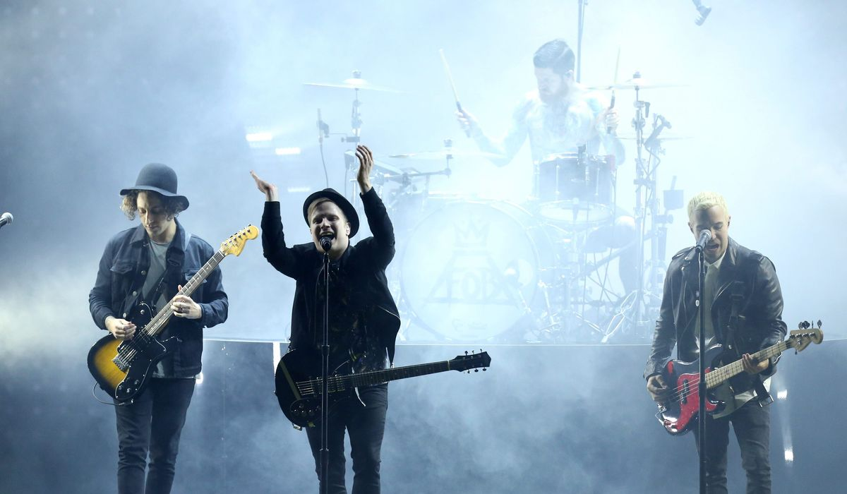 Fall Out Boy cancels 'Hella Mega Tour' dates in New York and Boston over positive COVID-19 case 1