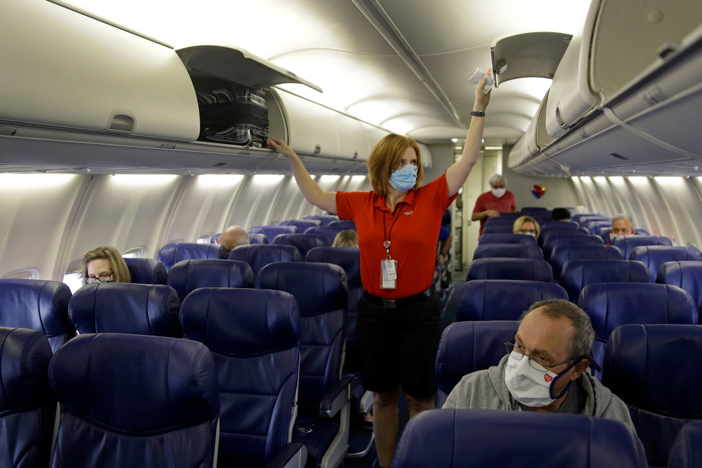 TSA extends into January mask rule for airline passengers 1