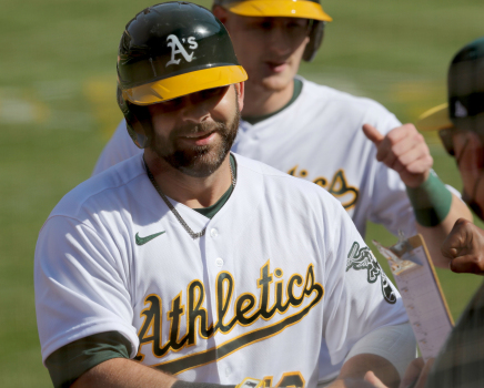 With A's DH Moreland placed on 10-day IL, Davis' path back to Oakland opens 1