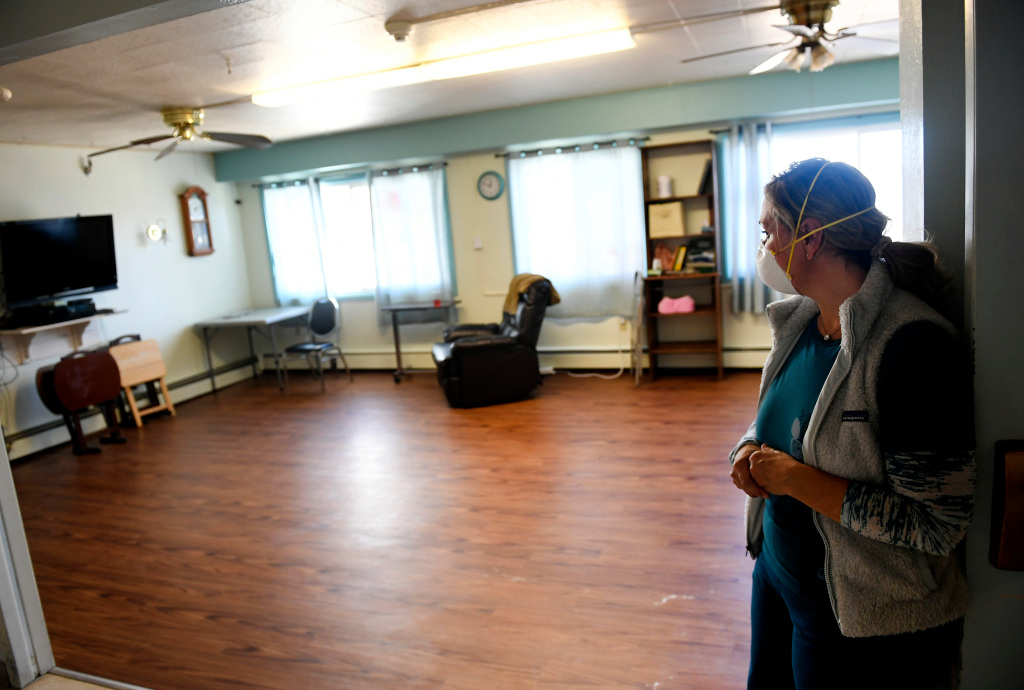 Colorado reinstates mask mandate for residents, staff and visitors at nursing homes 1