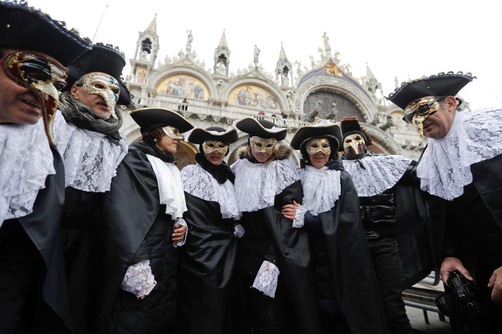 No stranger to plagues, Venice opens film fest with caution 1