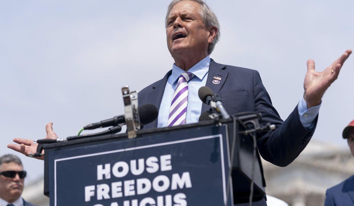 Ralph Norman, GOP lawmaker suing Nancy Pelosi over mask rule, has 'breakthrough' COVID case 1