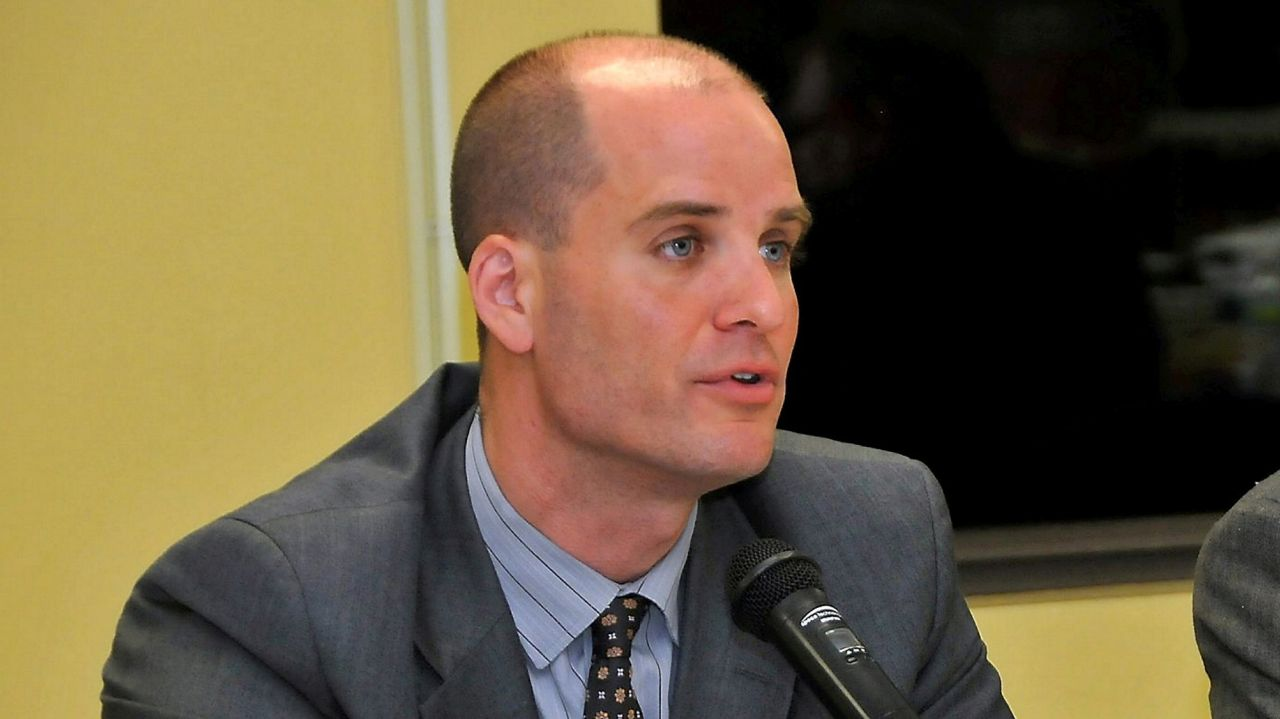 In Manhasset,Two being paidfor one schools superintendent job 1