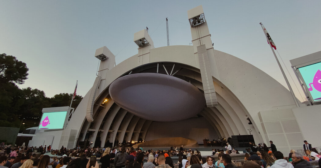 Los Angeles to Require Masks at Large Outdoor Concerts and Events 1