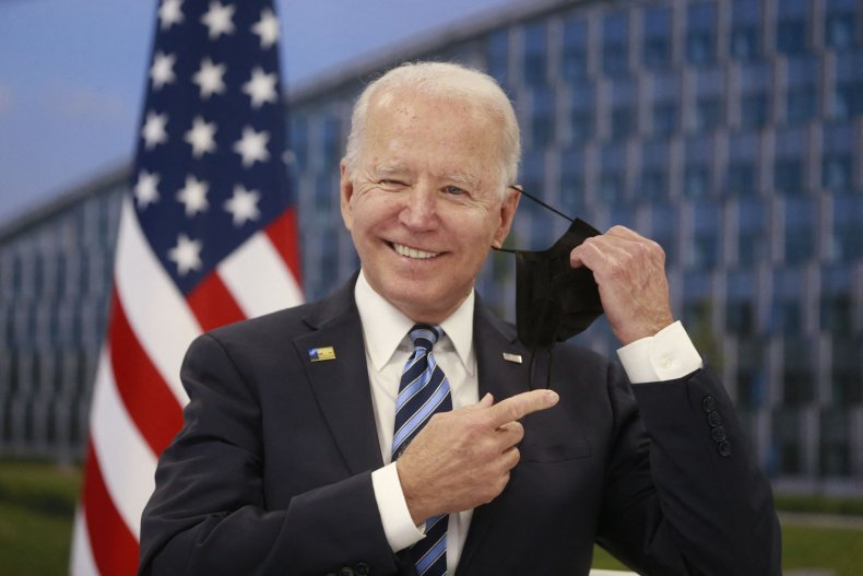 Medical Blogger Suing Biden Administration Over Airplane Face Masks Calls Antibiotics a 'Crutch' 1