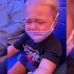 Mom claims flight attendant told her to 'glue' mask to toddler's face 6