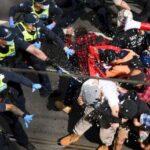 Hundreds of anti-lockdown protesters clash with police in Australia 6