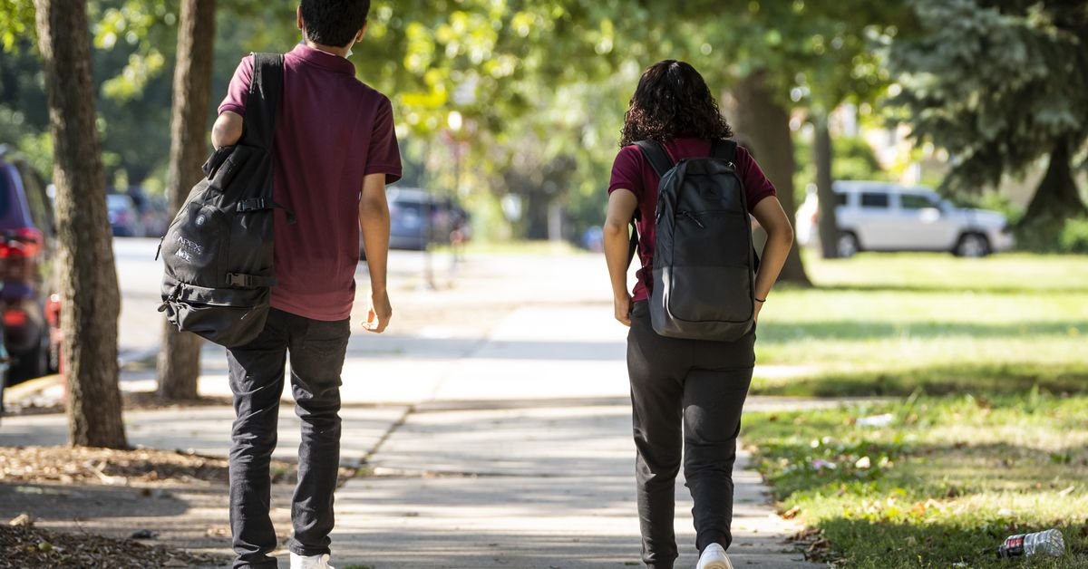 More than 5,600 CPS students ordered to quarantine in first 2 weeks of school year 1