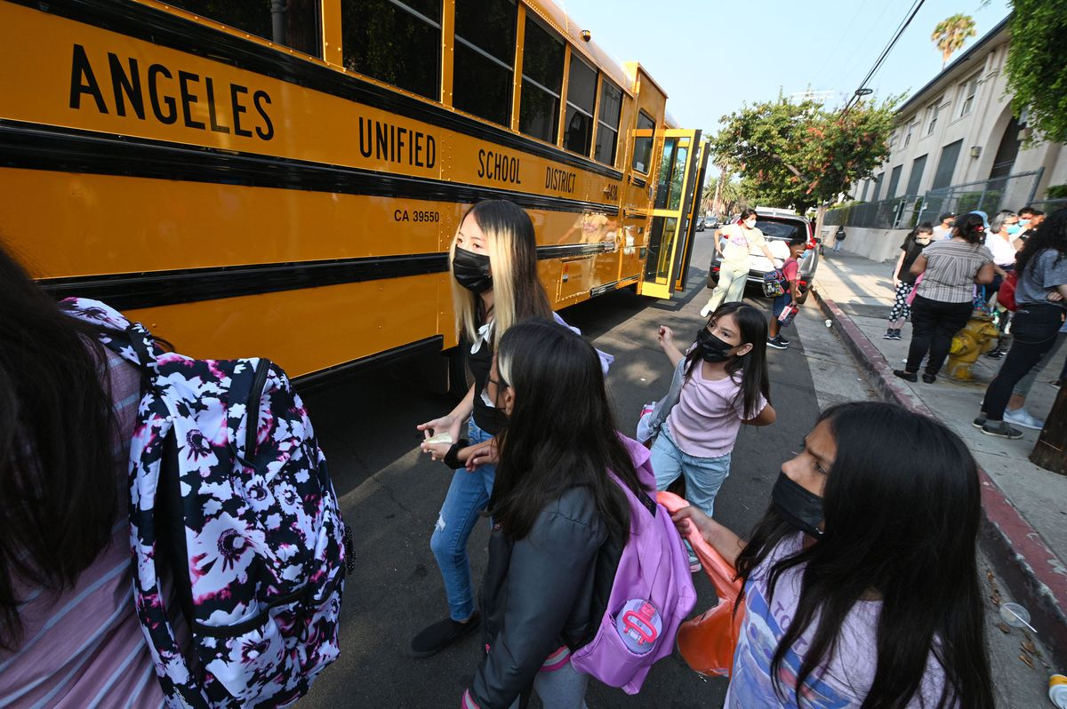 Los Angeles school district expected to mandate COVID-19 vaccines for students 1