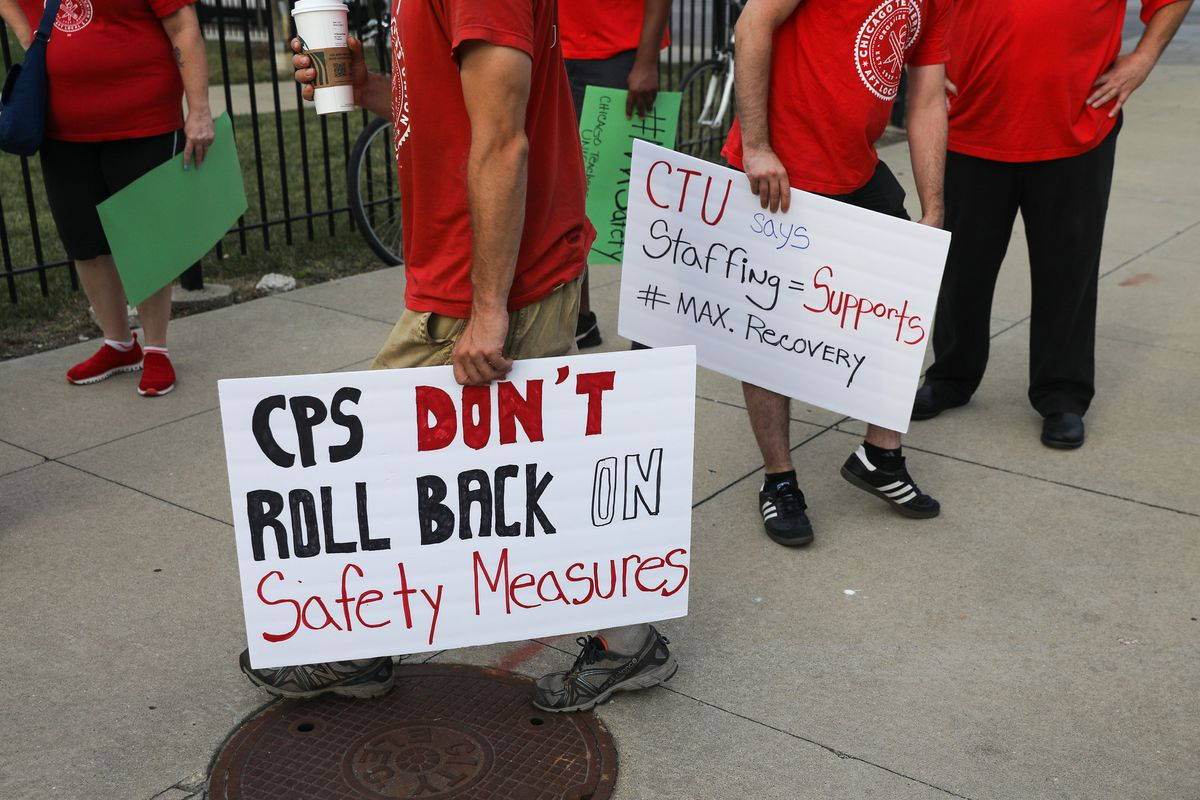 Chicago Teachers Union warns of 'escalating actions' unless COVID-19 safety improves in CPS schools 1