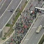 20,000 Australians Shut Down Melbourne Highway In Massive Lockdown Protest & It's Glorious! (Video) 25
