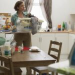 Woman Stages Week-long 'Wife Strike' to Protest Her Husband's Lack of Chores 6