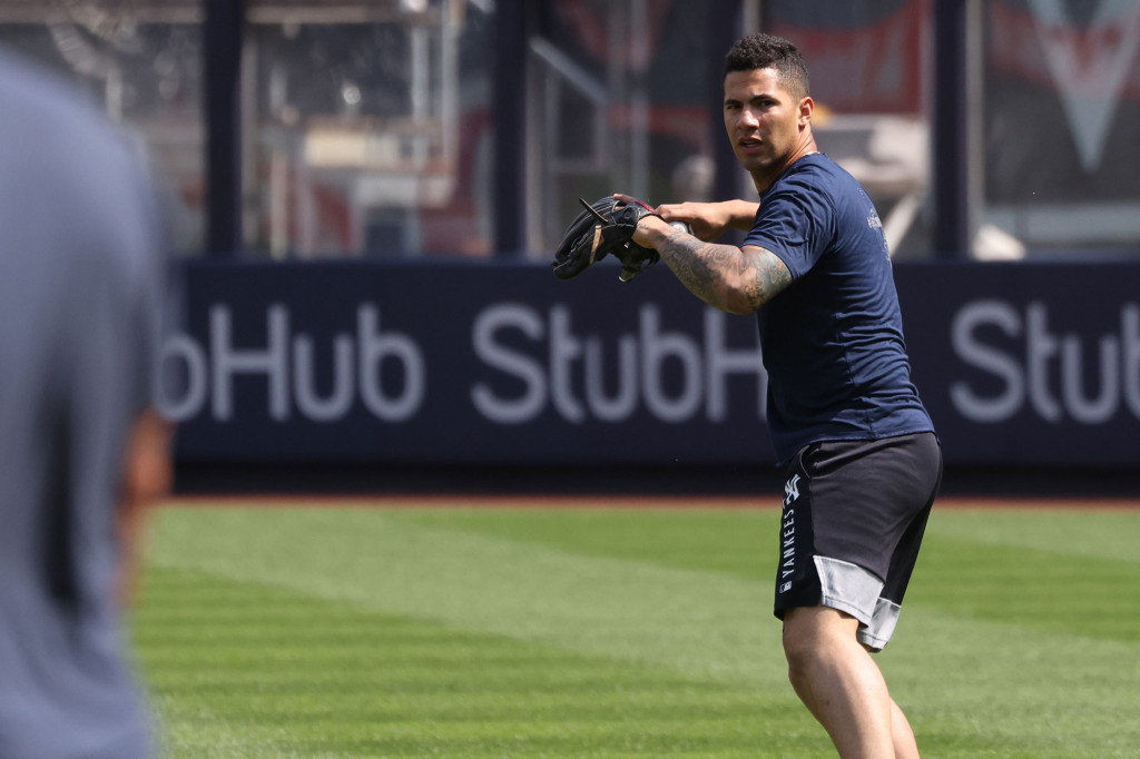 Gleyber Torres open to second base move: 'Whatever the team needs' 1